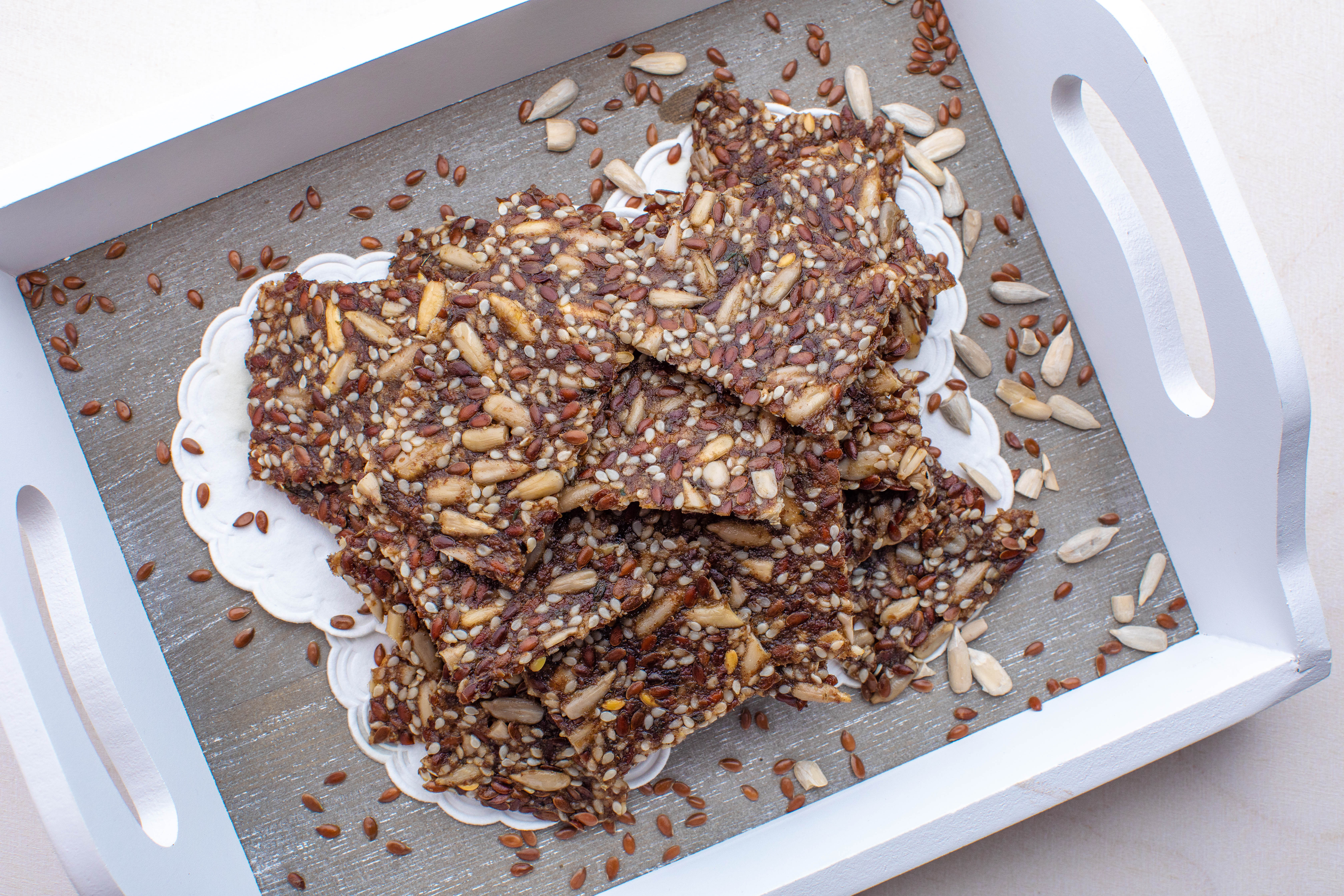 Crunchy keto seed crackers (raw or baked)