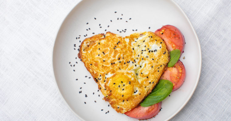 Fried eggs in a playful way