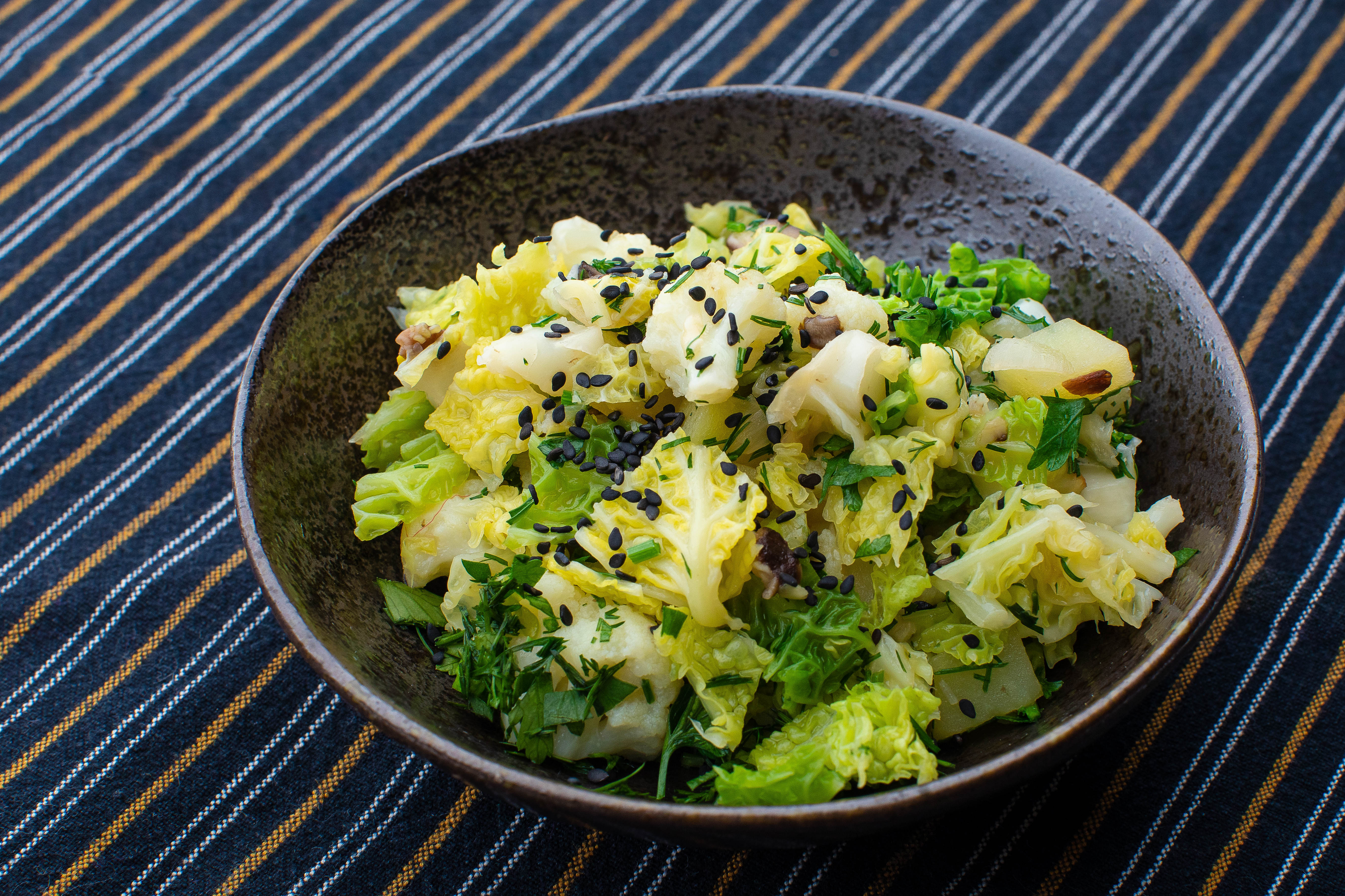 Savoy cabbage, cauliflower, potatoe and mushroom stir fry